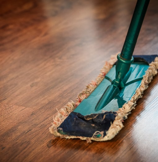 brown-wooden-floor-Carpet-Cleaner-Scarborough